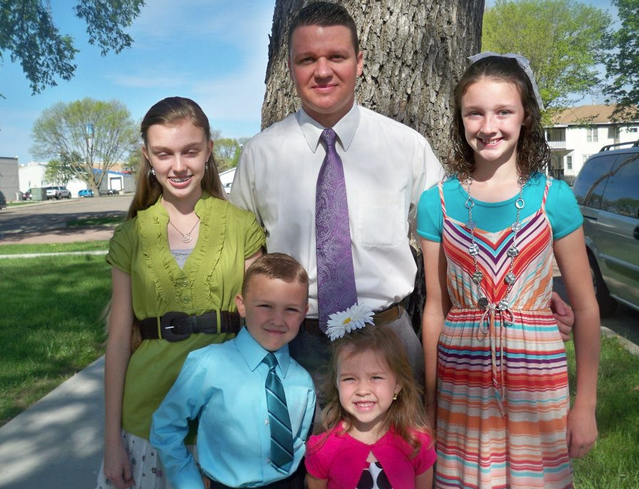 The Jesse Hailey Family-Elk Point Baptist Church,SD